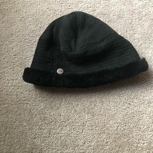 Ugg Black Hat